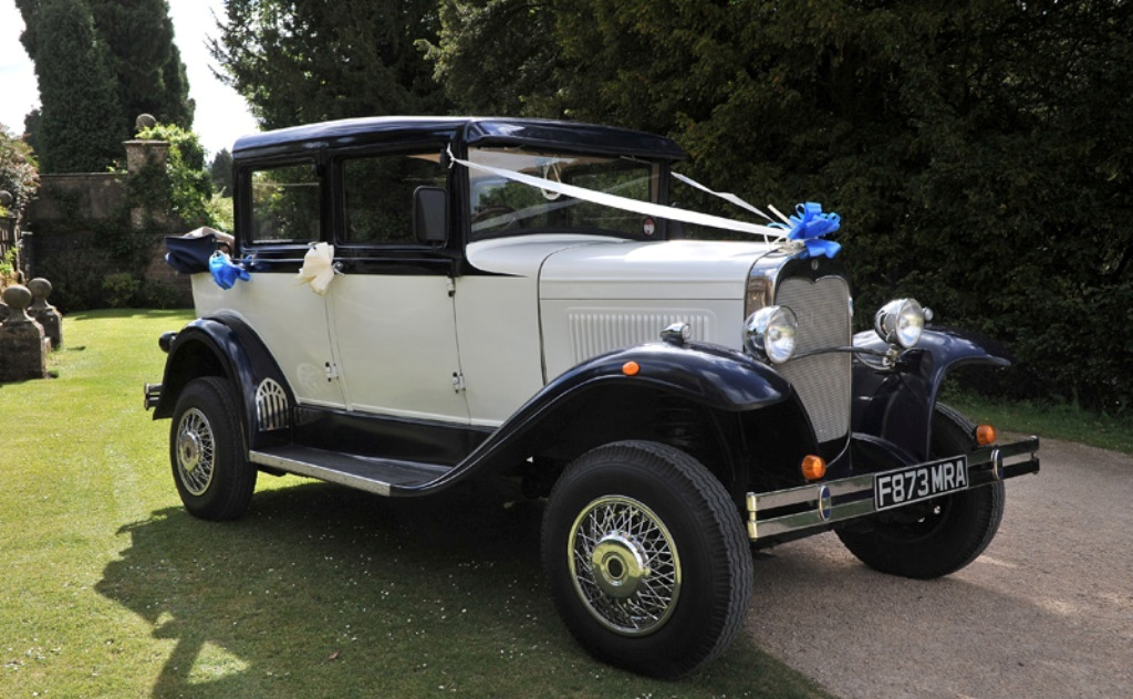 Vintage Car Hire| Badsworth Wedding Car in Mansfield, Nottinghamshire